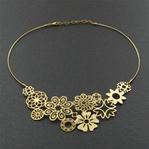 COLLIER FLEURS PROVOCATION OR